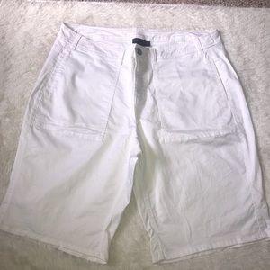 Lane Bryant white Bermuda shorts 28
